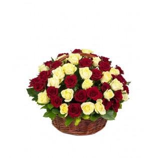 Kosz 50 Róż Biało - Czerwonych