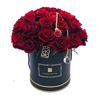 Róże czerwone z błyskotkami